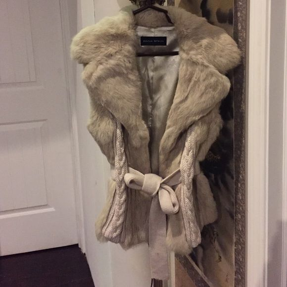 ••••$750 DONNA STEIN DESIGNER NATURAL FUR VEST•••• ••••$750 DONNA STEIN DESIGNER NATURAL RABBIT FUR VEST LIKE NEW WORN 2x GREAT FOR A S/M ADJUSTS AT THE WAIST. NOT JUST YOUR AVERAGE VEST BECAUSE IT HAS KNIT PANELS THAT MAKE PEOPLE STOP AND AS WHERE YOU BOUGHT IT. SIMPLY GORGEOUS AND MAKES A GREAT GIFT BECAUSE ITS PRACTICALLY BRAND NEW. I WOULD NEVER EVEN THINK ABOUT SELLING IT THIS LOW IF I DIDNT NEED THE MONEY. •••ALL OFFERS WELCOMED THROUGH THE OFFER OPTION••• NOT FROM LISTED BRAND Gucci…