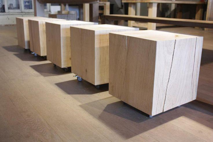 Massief houten bijzettafel Kubus