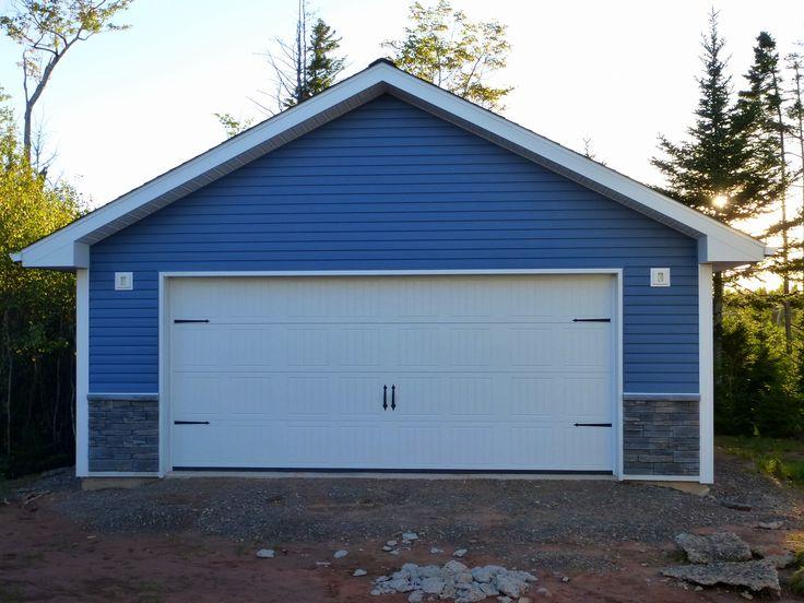 new garage construction using kaycan vinyl siding. Black Bedroom Furniture Sets. Home Design Ideas