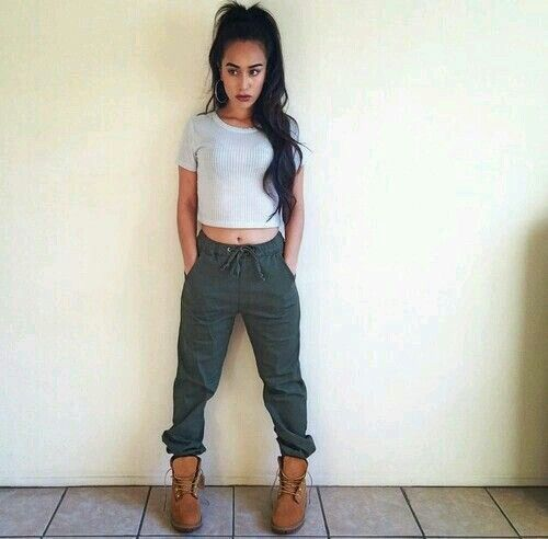 army green joggers gray crop top timberland boots