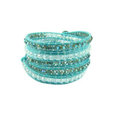 Hermosa pulsera wraps de 5 vuerltas, cuero, cierre boton y maravillosas pepitas de cristal. Magnifico trabajo. www.blucompany.cl
