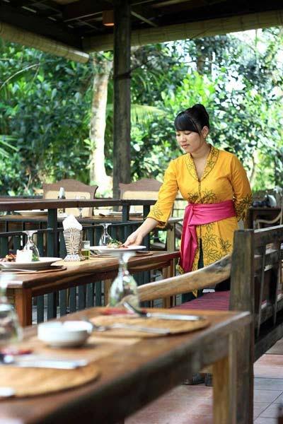 Serve Staff on Bebek Semar Warung