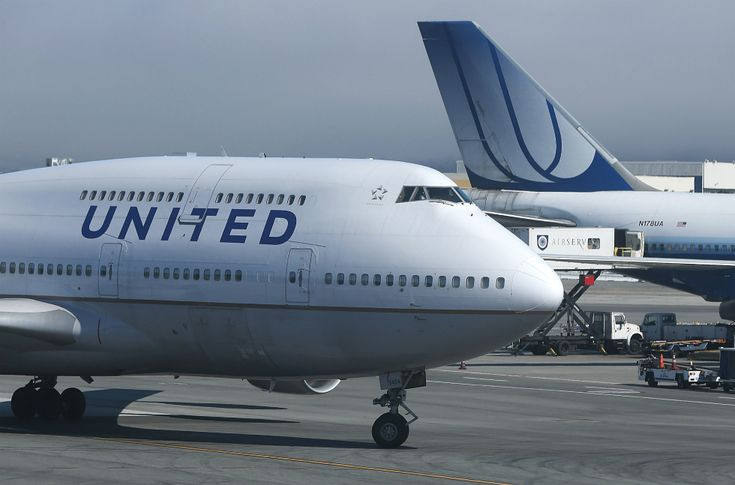 United Airlines CEO: No firings over passenger dragging