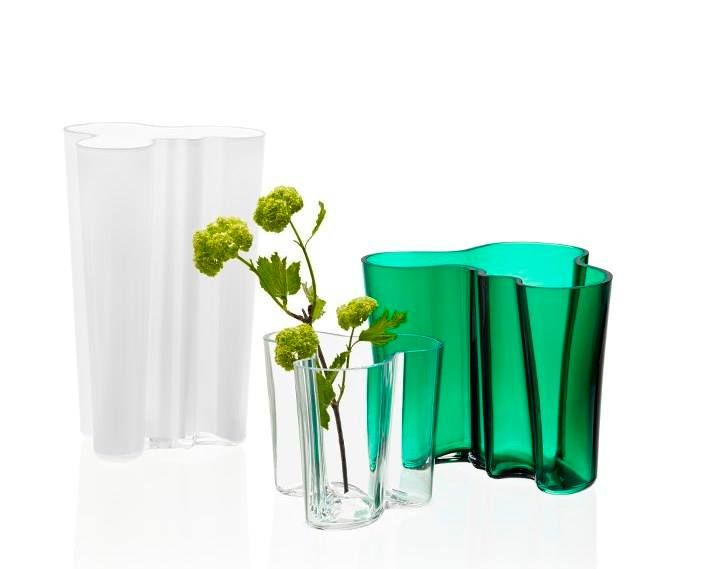 2016 will be a year of celebration for Iittala and the Alvar Aalto Collection 80 years Anniversary. The collection has been a staple of modern Scandinavian design and the most iconic series in the Iittala range ever since. The beautiful anniversary color is called emerald! http://www.purodeco.com/alvar-aalto-collection-80-years/