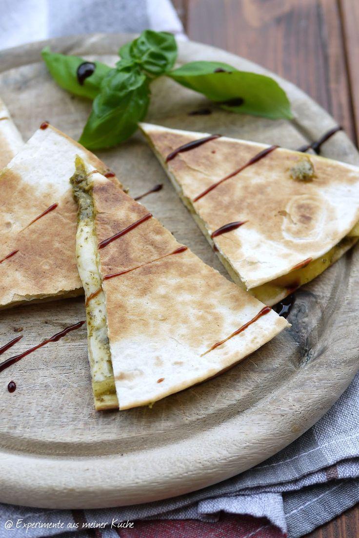 Experimente aus meiner Küche: Quesadilla mit Pesto, Nektarinen und Mozzarella