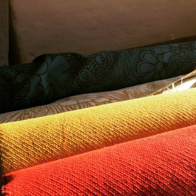 Udvalg af uld til møbler. #skumhuset #upholstery #decoration #dk #decor #wool #fabric #tekstil #textiles #furniture #boligindretning #bolig