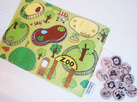 Creative play: children place the pieces to make stories. Flip Mat - Zoo