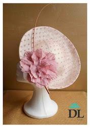 Tocados exclusivos by Divina Locura - tocado pamela en beige y rosa nude