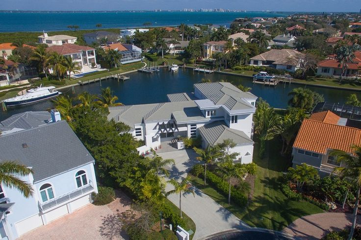 The Perfect Blend of Luxury, Function and Relaxed Tropical Living