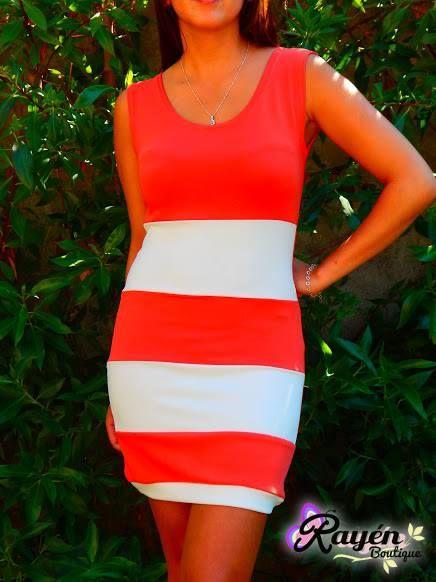 Vestido Líneas Talla S PRECIO: $10.000 Síguenos en www.facebook.com/RayenBoutiique