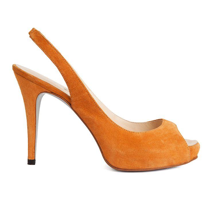 Peep toe de ante marrón de Mas34, hecho en España. Elegante, femenino, cómodo, combinable... Es un must de tu armario para este verano.