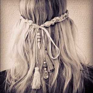 This would be so cool if you DIY'ed it and, instead of the tassels, you used seashells!!
