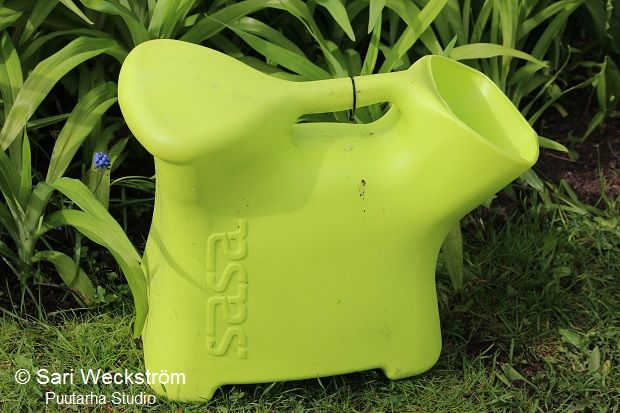 SASA is the perfect gardening tool, great for weeding and watering (15 litre capacity).  It can also be used for berry picking, fishing and ice fishing, gathering toys off the floor, or whatever uses you can inven