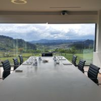 Se for provar vinhos verdes na Quinta da Lixa vai ter esta vista na sala de provas © Viaje Comigo