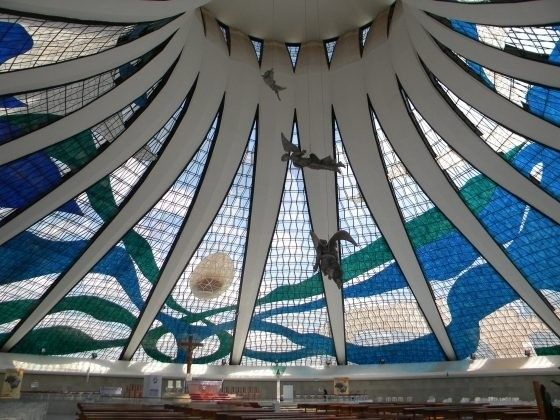 A Catedral de Brasília é um monumento único e de muita importância para o patrimônio histórico nacional! Confira uma análise estrutural dessa grande obra de Arquitetura Engenharia http://www.blogdaarquitetura.