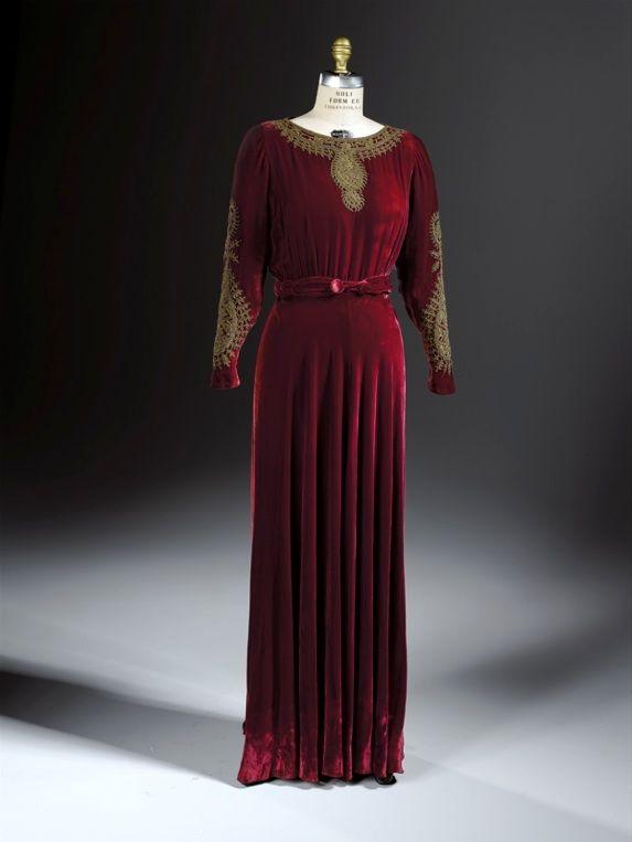 Natacha Rambova (American, 1897-1966) Dress and Belt, 1928-1931 Silk velvet  1982.c.34.AB