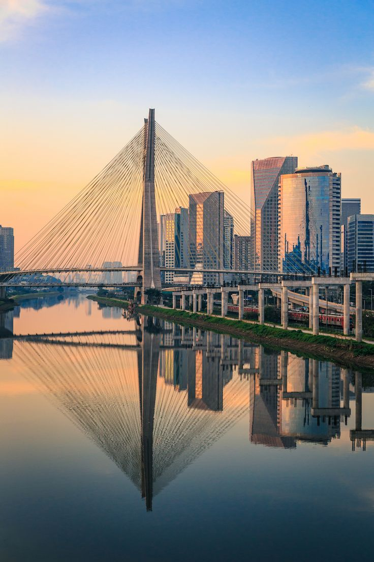 Get acquainted with the metropolitan grandeur of São Paulo on a private tour of the bustling Brazilian city!