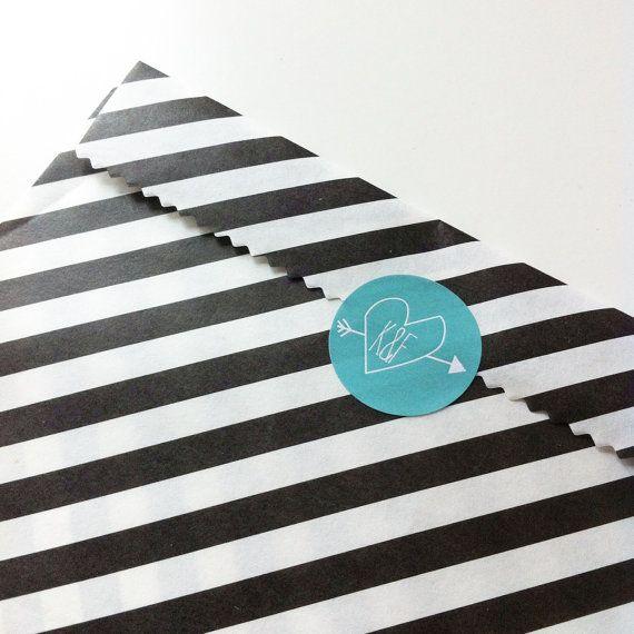 Bruiloft stickers initialen (10x) - Stickertjes - Huwelijk bedankje - Wedding Favor Stickers - Custom design - Initials - Envelope seals