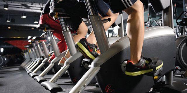 El spinning es un deporte con un gran número de beneficios para nuestra salud, tanto a corto como a largo plazo. Es un ejercicio divertido y para todos.