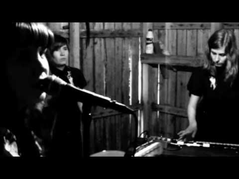 The Micragirls - Electric Chair Twist. Garage rock from Kuopio.