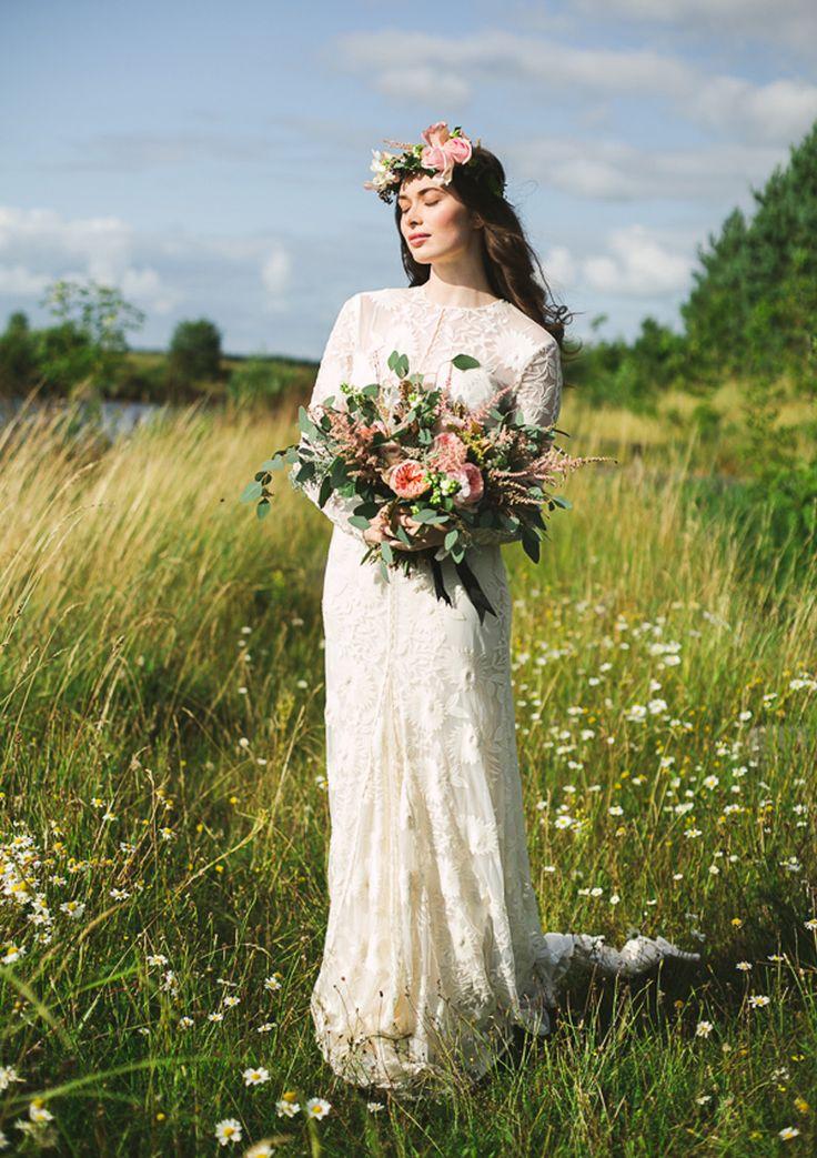 #AppleberryPress. Pink wedding, pink wedding flowers, romantic wedding theme, wild floral bouquet, lace wedding dress, floral headpiece. www.appleberrypress.com