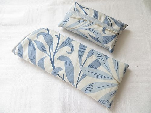 Matching glasses case and tissues Wm Morris Willow Bough Blue http://www.fleecehatsbyjacaranda.co.uk/specs-casessets-liberty-morris-c-16.html?page=3&cookie=y&sort=3a