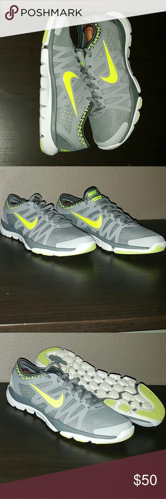 Women's Nike Flex Trainer Supreme 3 Women's Nike Flex Trainer Supreme 3 size 9 great condition Nike Shoes Athletic Shoes
