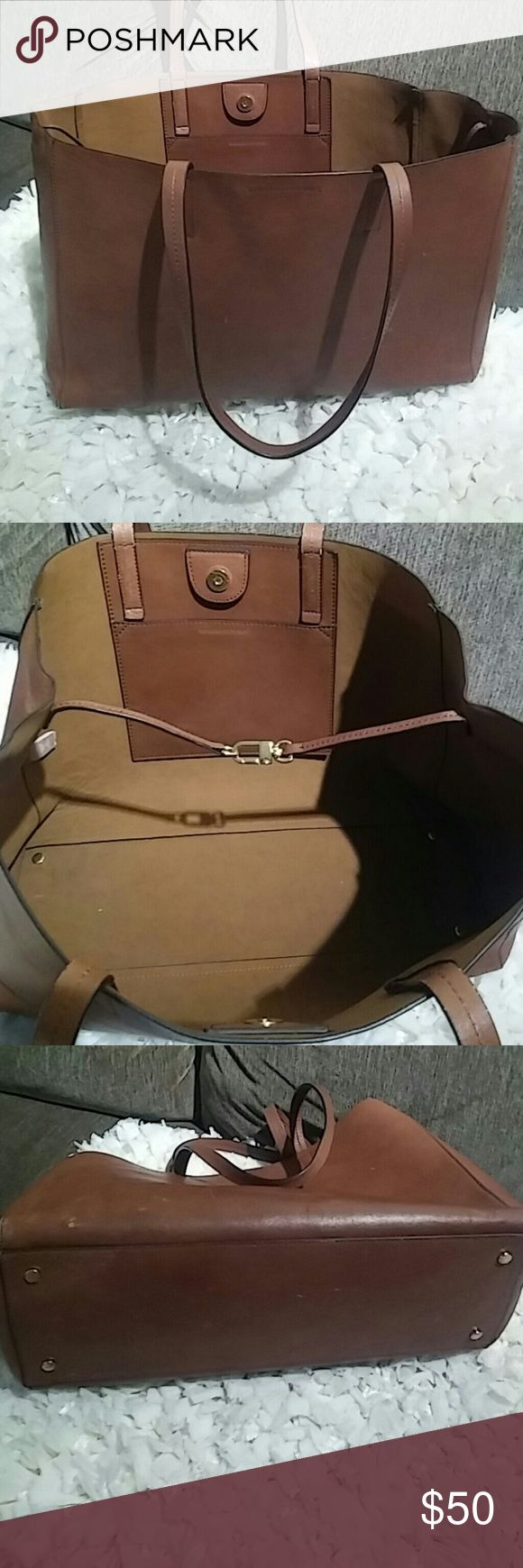 Banana Republic Leather Tote Bag In Pre-Owned Condition has some scratches needs a good leather cleaner. Banana Republic Bags Totes