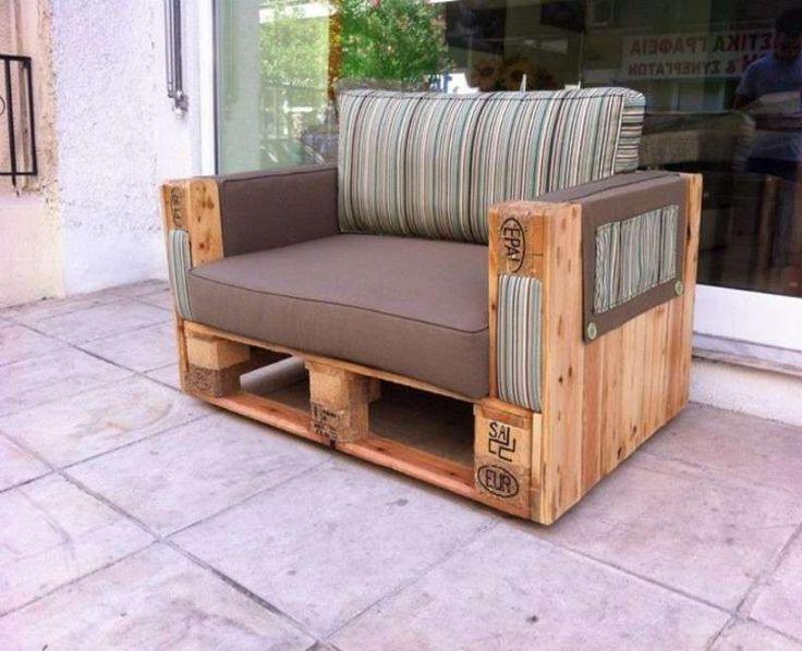 Costruire un divano in legno ol44 pineglen for Divano bancali