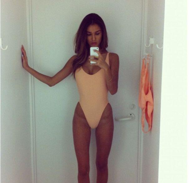 Imagem de http://picture-cdn.wheretoget.it/2pndzb-l-610x610-swimwear.jpg.
