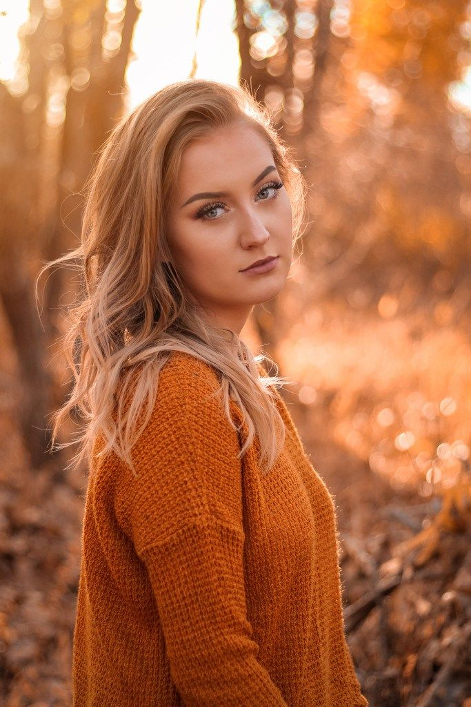 Senior Session + Hailey - Lifestyle Portrait Photography specializing in Engagements, Weddings, Senior, Family, Maternity, Birth, New born, Boudoir and more