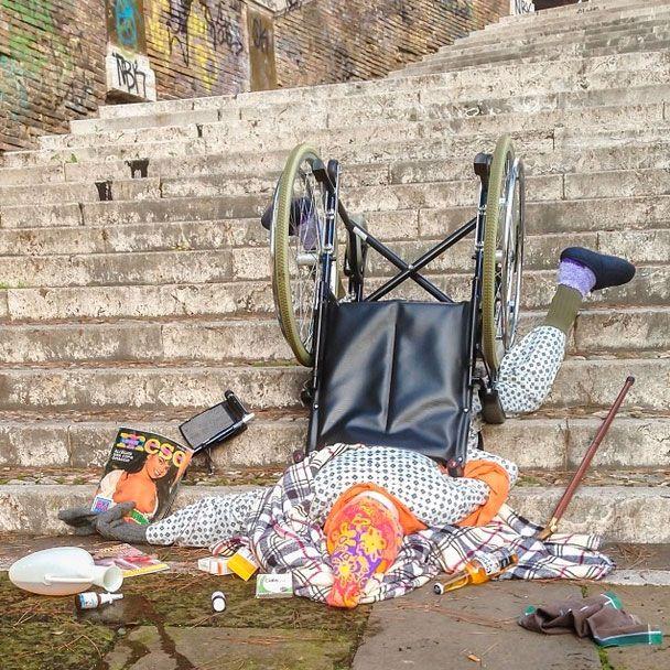 chute-vieille-personne-fauteuil-roulant