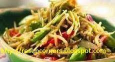 Olahan bunga pepaya paling enak ketika ditumis dengan campuran teri. http://resepcorners.blogspot.com/2014/04/resep-aneka-tumis-daun-dan-bunga-pepaya.html