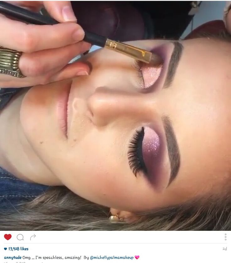 Ugh love this makeup so much! Gorgeous smokey burgundy with glitter and lashes