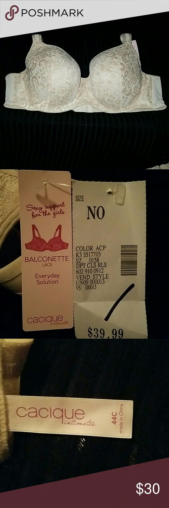 Ladies Bra Sexy Support For the Girls Cream Color Very Pretty Lace Underwire Lots of Support Cacique Intimates & Sleepwear Bras