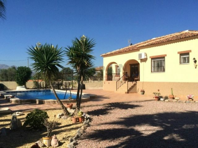 SOLD! Spacious 3 bed country villa with pool near Catral REDUCED to 189950€ http://www.livespainforlife.com/property/3881/villa-detached/resale/spain/catral/catral/