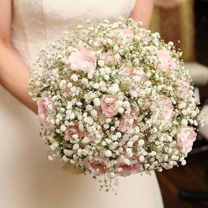 「k.asa.y」さまのブーケは、淡いピンク色のバラが合わさったラウンドブーケ。ほんのり色づいたピンクが白いかすみ草と調和しています♡