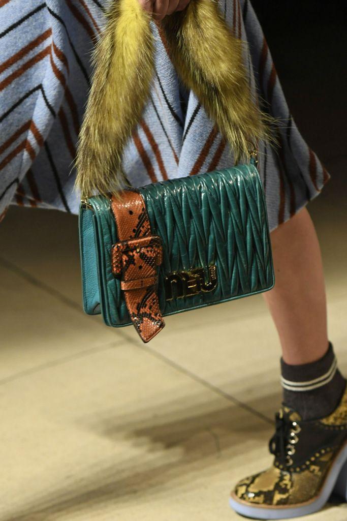 best 25 miu miu handbags ideas on pinterest miu miu purse miu miu wallet and miu miu shop. Black Bedroom Furniture Sets. Home Design Ideas