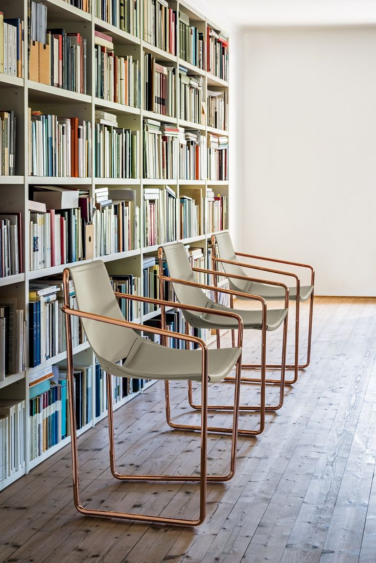 APELLE Chair with armrests by @midjinitaly design Beatriz Sempere