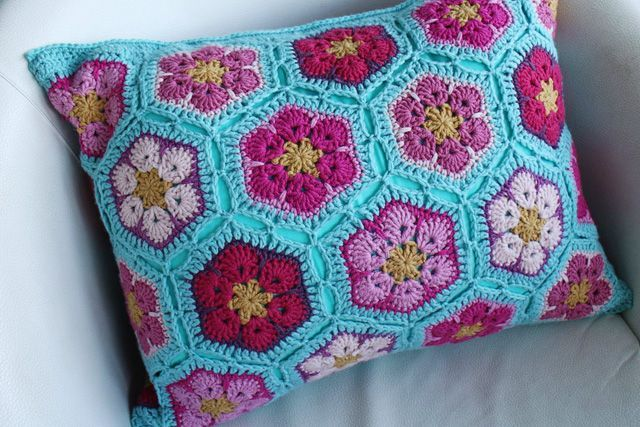 african-flower-cushion