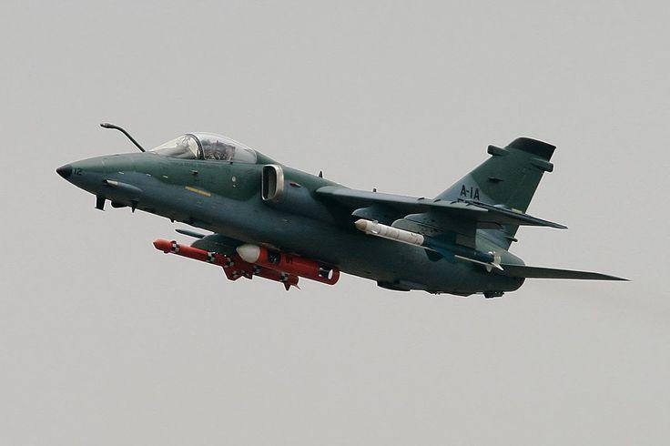 Brasil Em Defesa: FAB - Caça-Bombardeiro