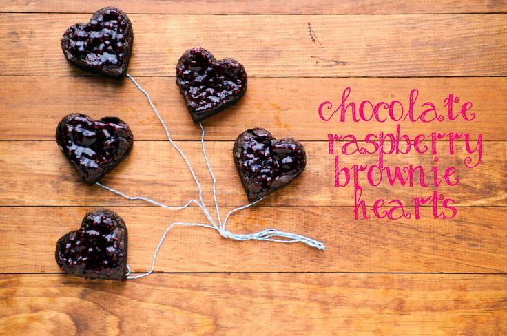 Веганский Нежданчик: Шоколадные сердечки из брауни с малиновой глазурью