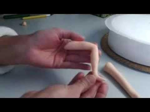 ▶ Como fazer pernas em pasta de açúcar   How to make legs with fondant - YouTube