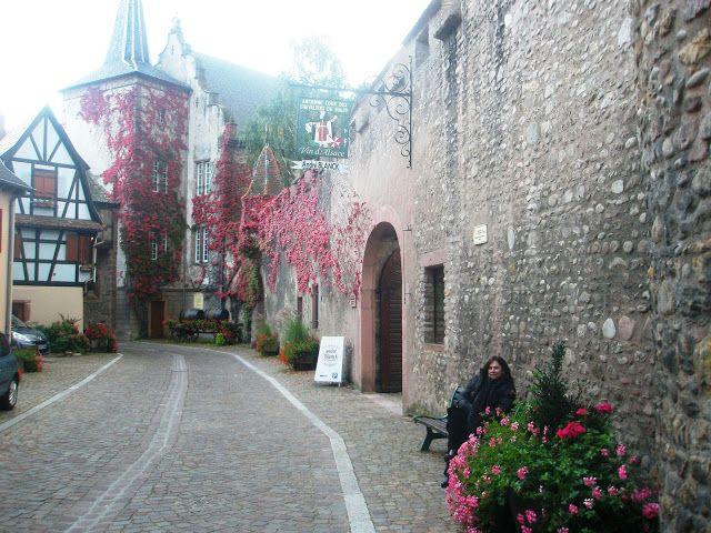 Kientzheim, Alsácia - França Veja fotos e dicas em http://viajandodenovo.blogspot.com.br/2015/10/kientzheim.html #dicasdeviagem #viagem #viajar #turismo #frança #europa #kientzheim #traveltips #travel #trip #europe #france #hdr #viajandodenovo