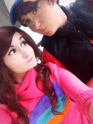 """""""Featuring Kibo Cosplay as my cray cray (non-alpha twin) bro B^)"""" scribblekisses.paigeeworld.com  #gravityfalls #mabelpines #dipperpines #cosplay ~Moonie"""