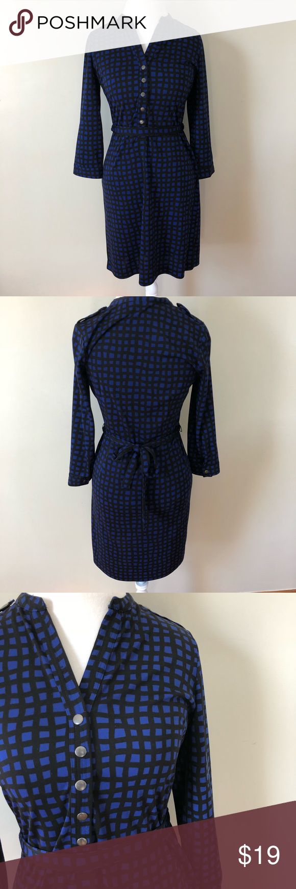 """The Limited Dress The Limited Dress. Perfect for casual wear or for work.  Size- Medium  Shoulder to hem- 35.5"""" Comfortable thick fabric. Used in great condition. Make me an offer! The Limited Dresses Midi"""