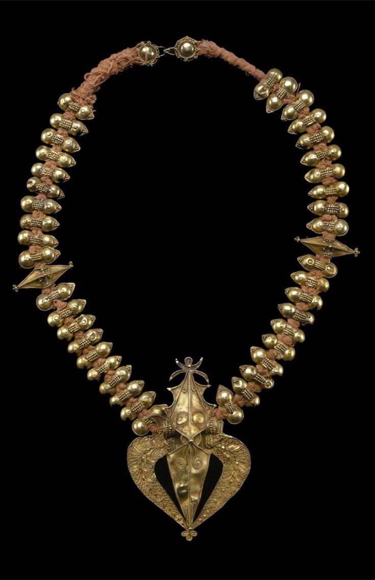 Indonesia | Bride's hair ornament ~ Sertali ~ gold with granulation, gold beads and red cord | Karo Batak | Late 19th to early 20th century ||| {GPA}