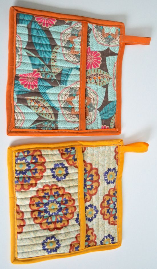 Easy DIY for Quilted Pot Holders with Pockets! - could make big ones for under casserole dishes on table.
