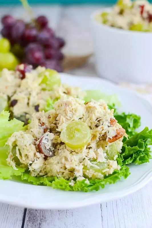 Paleo Chicken Salad - delicious chicken salad recipe with grapes, pecans, and paleo mayo!