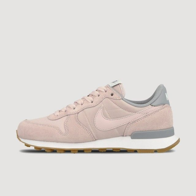 Nike Internationalist Shoe Barely Rose  b3c5dcae5